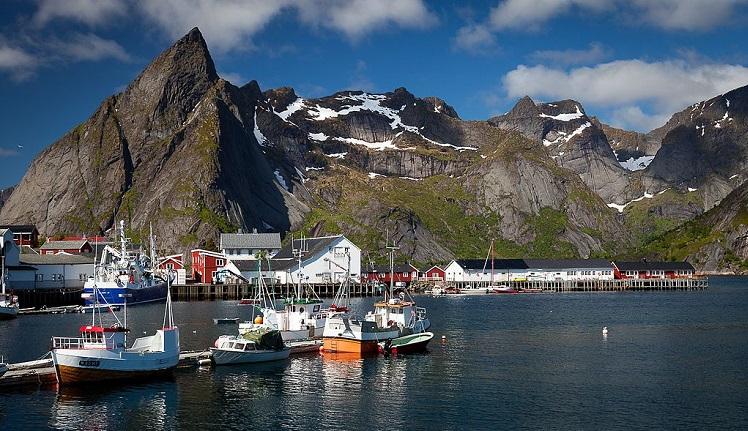 Båter og fjell